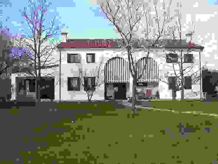Ampliamento di casa unifamiliare a Olmo di Martellago di Studio di architettura Baldin & Partners