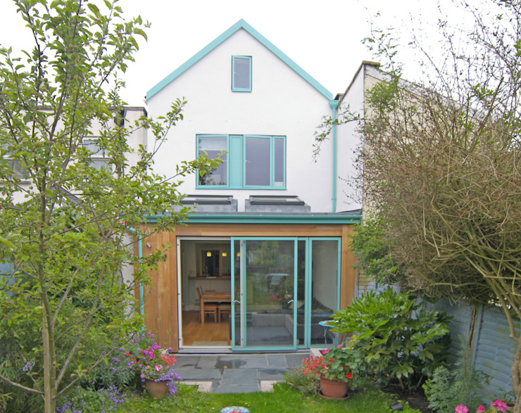 Double storey extension for artist in Bishopston, Bristol Dittrich Hudson Vasetti Architects Modern dining room