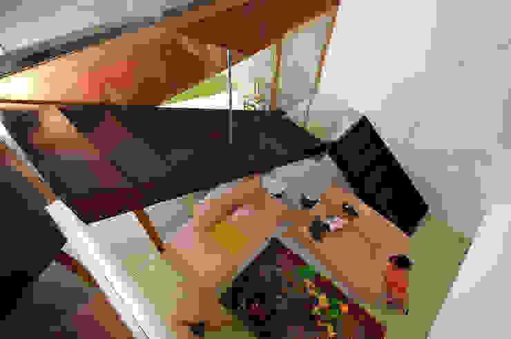 vista del soggiorno Soggiorno moderno di silvia ancarani Moderno
