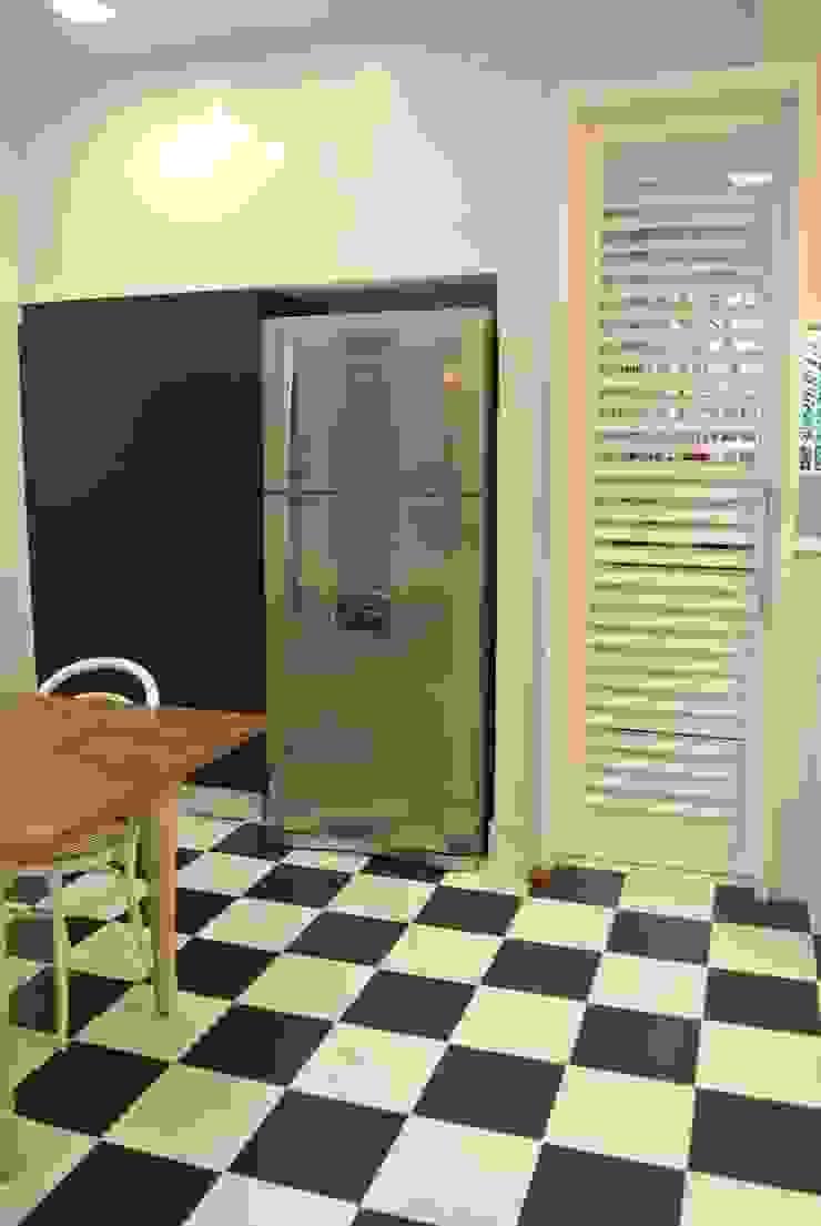 Cozinha Leblon Cozinhas ecléticas por Andréa Menezes & Franklin Iriarte Eclético
