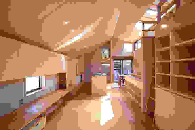 LDK1 モダンな 家 の 悠らり建築事務所 モダン