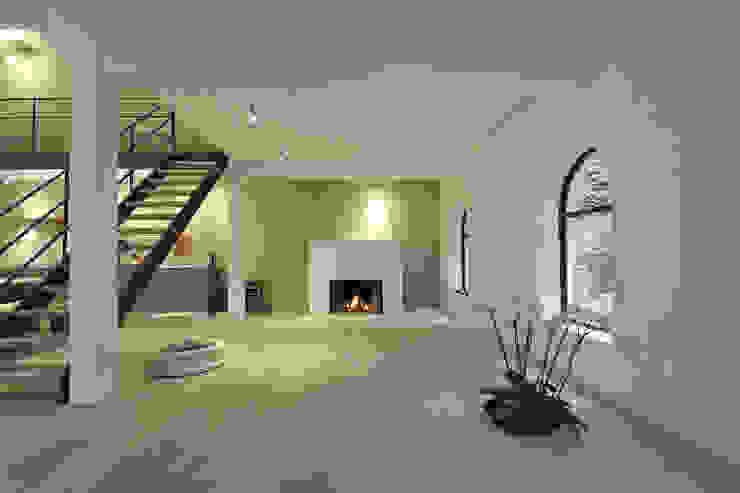 Minimalist living room by BUB architekten bda Minimalist