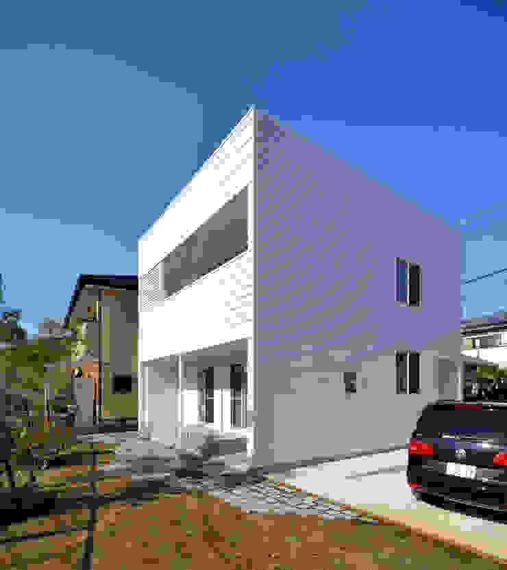 現代房屋設計點子、靈感 & 圖片 根據 石躍健志建築設計事務所 現代風