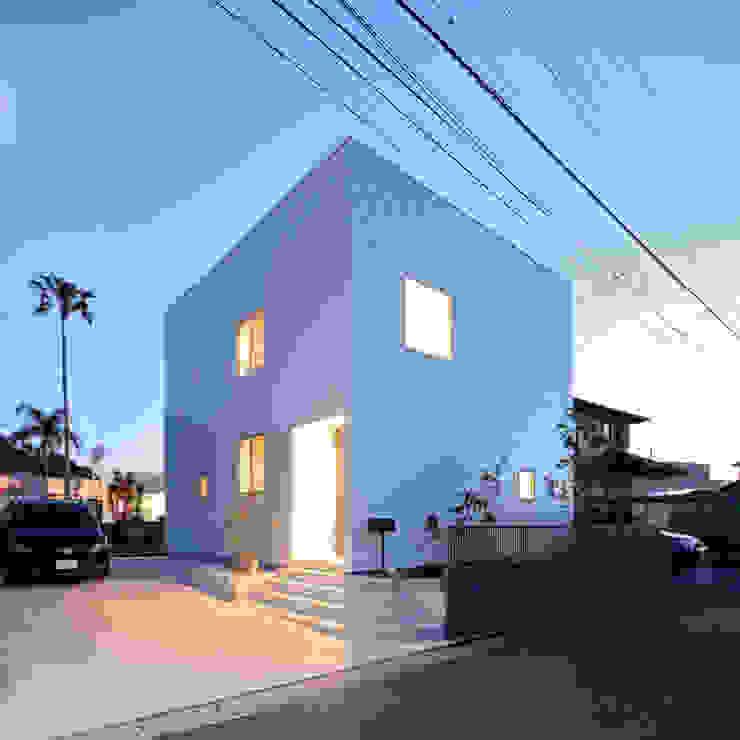 Casas estilo moderno: ideas, arquitectura e imágenes de 石躍健志建築設計事務所 Moderno