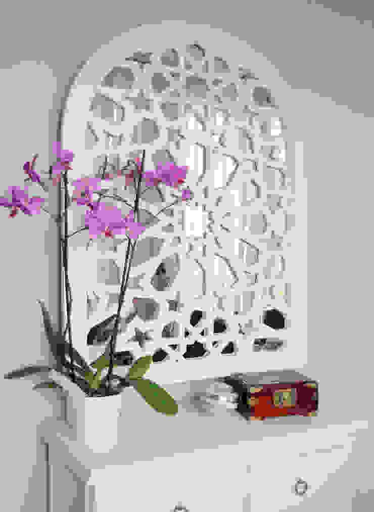 Celosia con espejo posterior de Andaluciart Celosías y Tallados Mediterráneo