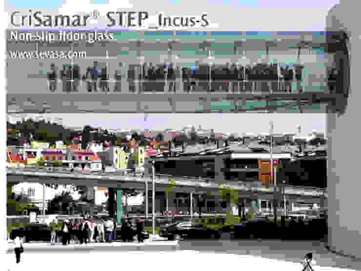 CriSamarSTEP_Incus-S. Nonslip floor glass Museos de estilo moderno de SEVASA Moderno