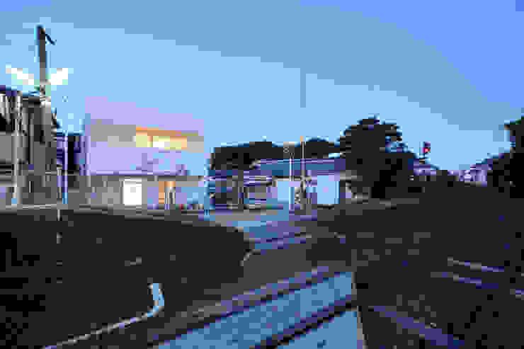 Modern Houses by 石躍健志建築設計事務所 Modern