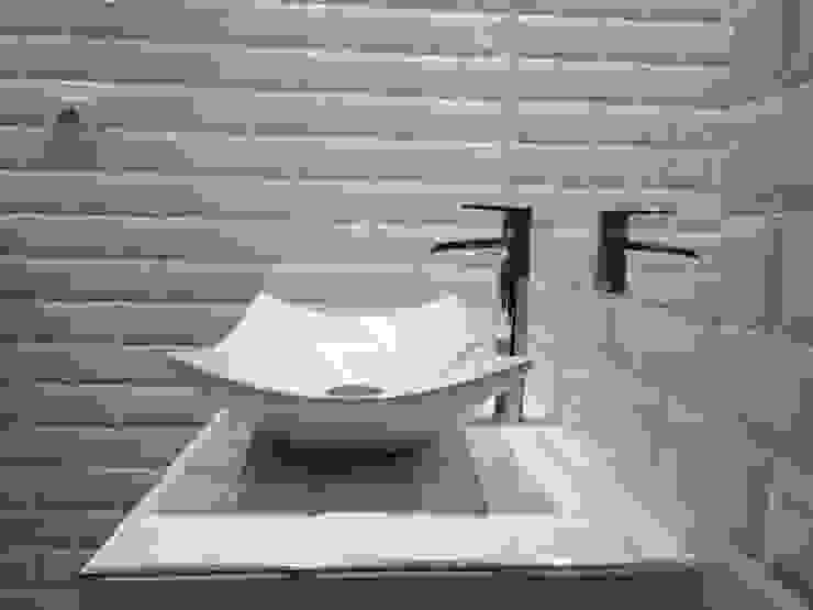 La faience métro : un mix entre style industriel et style classique Bombardier et Cie Salle de bain industrielle