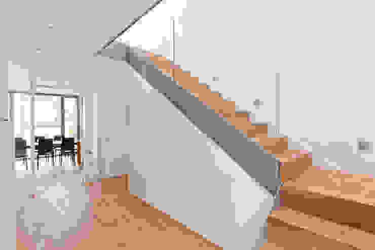 Eingangsbereich Moderner Flur, Diele & Treppenhaus von Beck+Blüm-Beck Architekten Modern