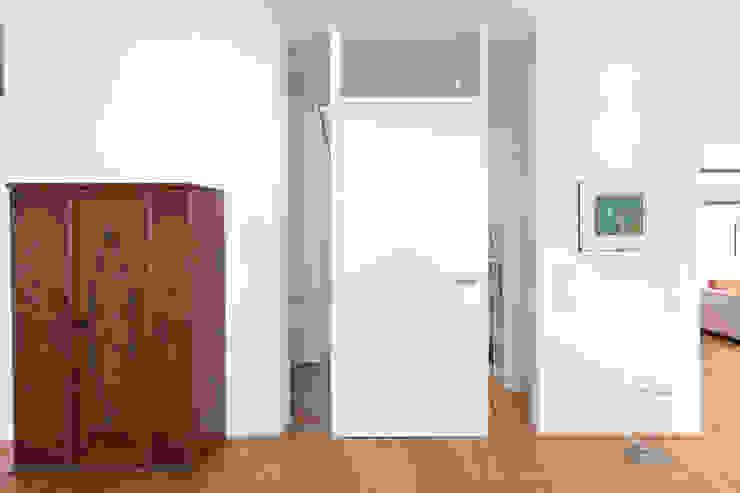 Blockzargentür Moderne Wohnzimmer von Beck+Blüm-Beck Architekten Modern