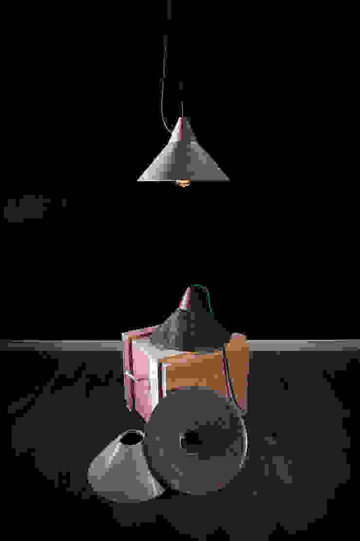 Lámpara MIKA de Decojondepato.com Moderno