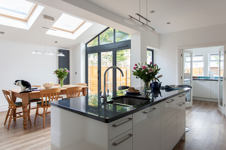 Extension to an Edwardian house in Bristol Modern kitchen by Dittrich Hudson Vasetti Architects Modern