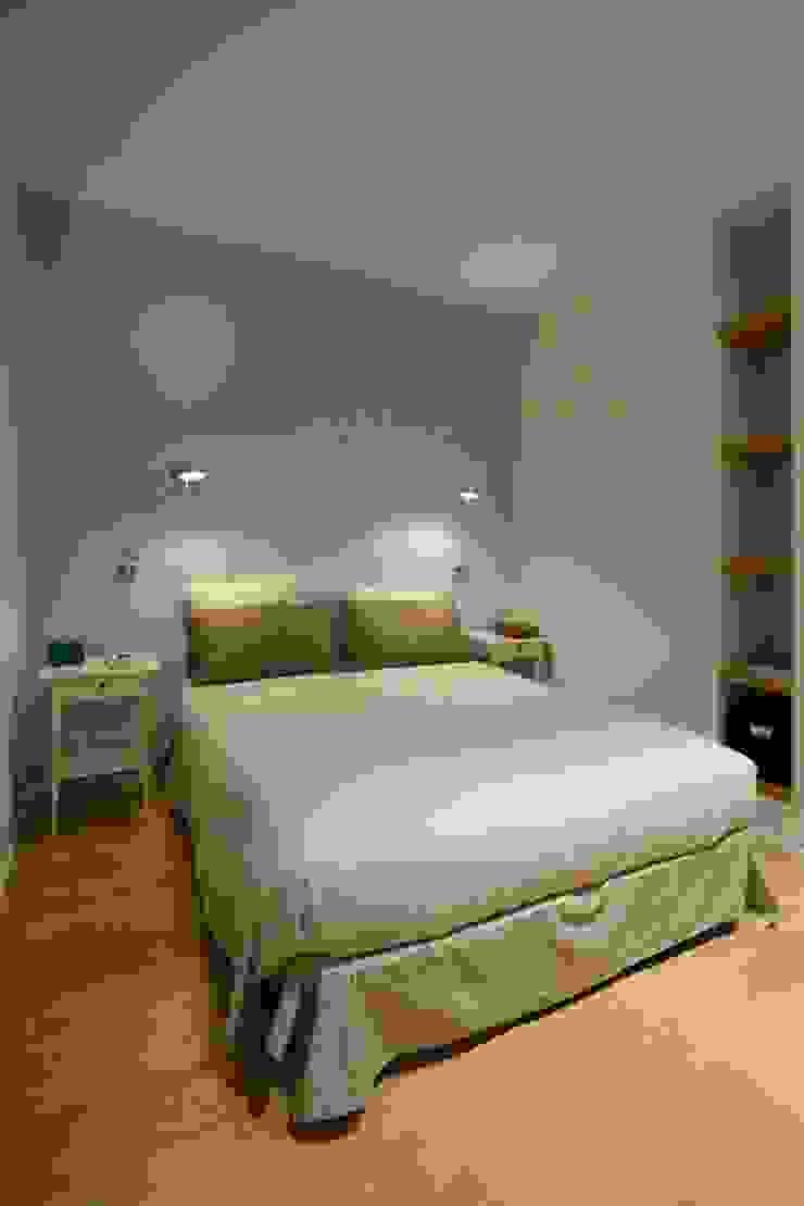 Ispirazione nordica Camera da letto minimalista di ministudio architetti Minimalista