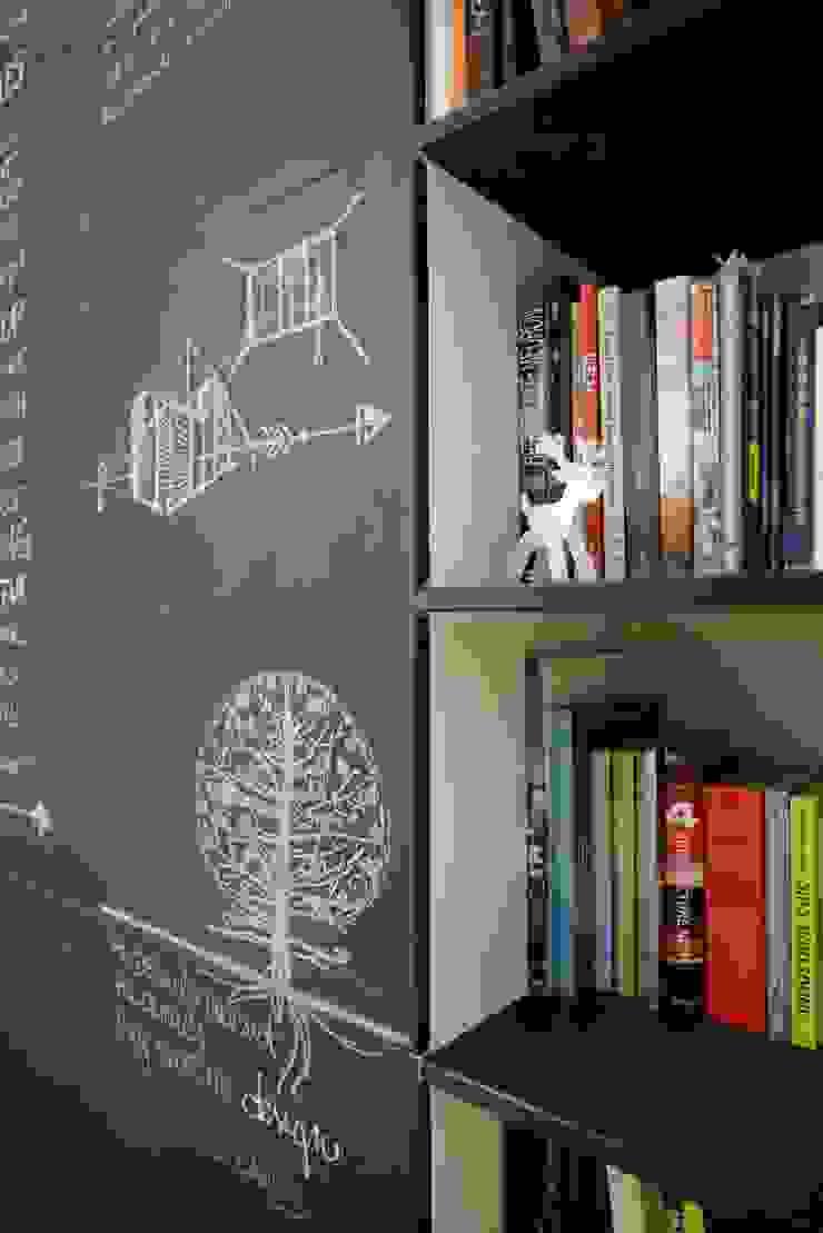 Ispirazione nordica di ministudio architetti Minimalista