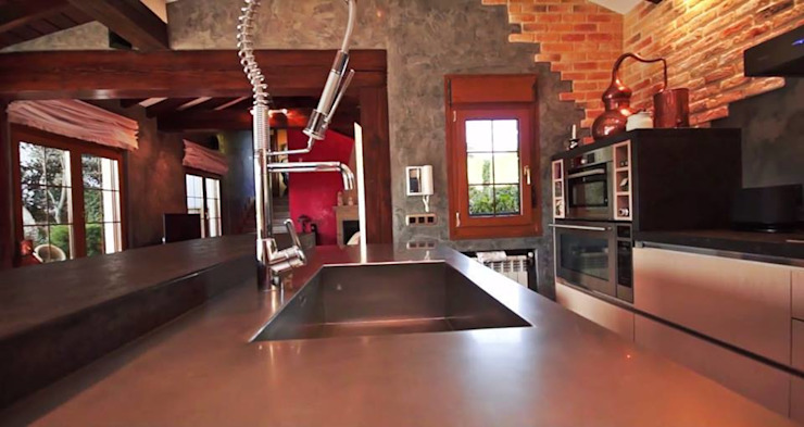 Cocina en tablero marino Cocinas de estilo rústico de SOINCO Rústico