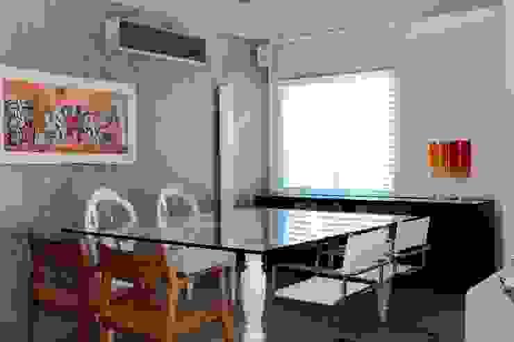 Apto 1000 1000 Salas de jantar modernas por Carlos Otávio Arquitetura e Interiores Moderno