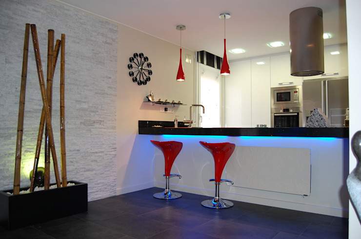 Kitchen by Sebastián Bayona Bayeltecnics Design, Minimalist