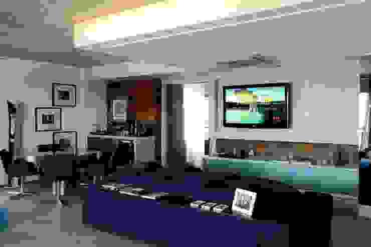 Apto 1000 1000 Salas multimédia modernas por Carlos Otávio Arquitetura e Interiores Moderno