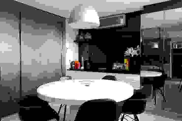 Cuisine de style  par Carlos Otávio Arquitetura e Interiores, Classique