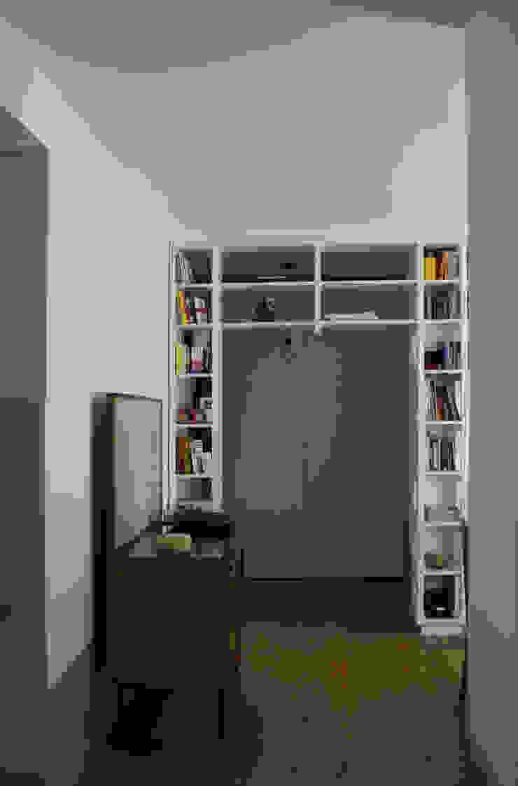 Casa per una giovane coppia Soggiorno in stile scandinavo di Francesca Pierucci Architetto Scandinavo