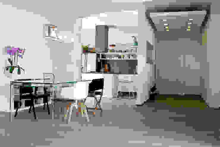 casa sul lungomare Cucina minimalista di BARBARA BARATTOLO ARCHITETTI Minimalista