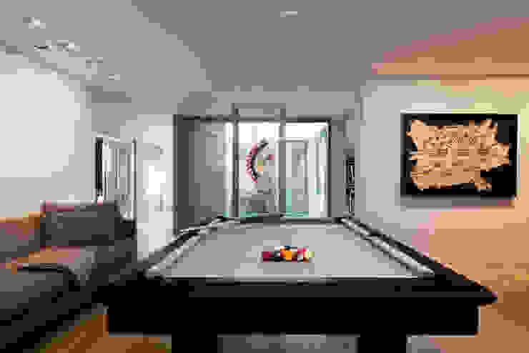 salon de jeu Salon moderne par Atelier TO-AU Moderne