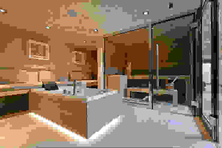 Espace Sauna, Hammam, Balnéothérapie Salle de bain moderne par Atelier TO-AU Moderne