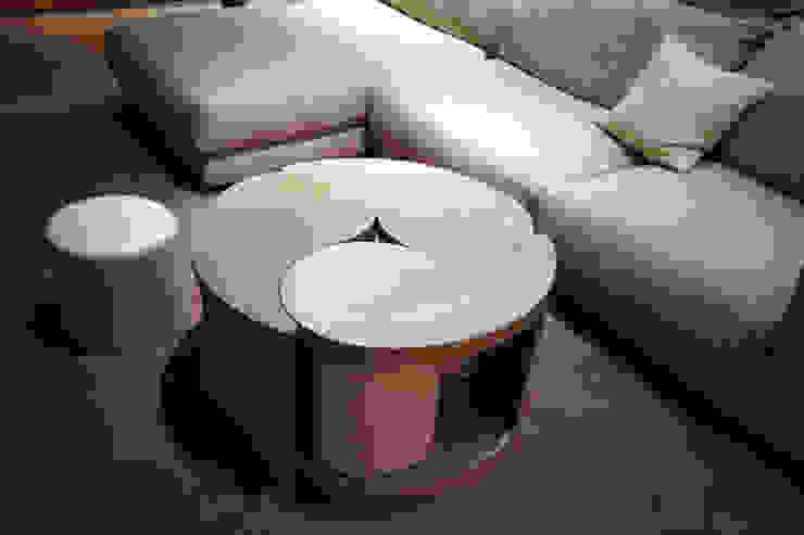 Table basse par Atelier TO-AU Moderne