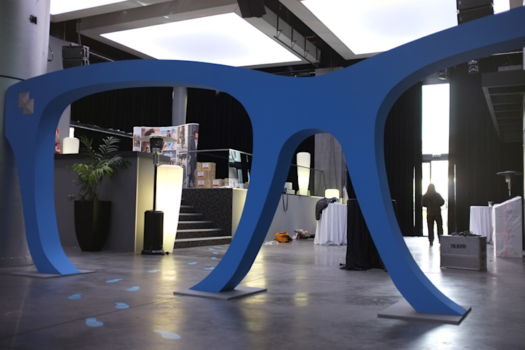Gafas gigantes para Multiopticas Centros comerciales de estilo moderno de Trama Moderno