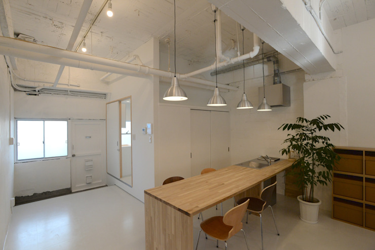 coworking ruimte in 5th Avenue Moderne keukens van SHUSAKU MATSUDA & ASSOCIATES, ARCHITECTS Modern