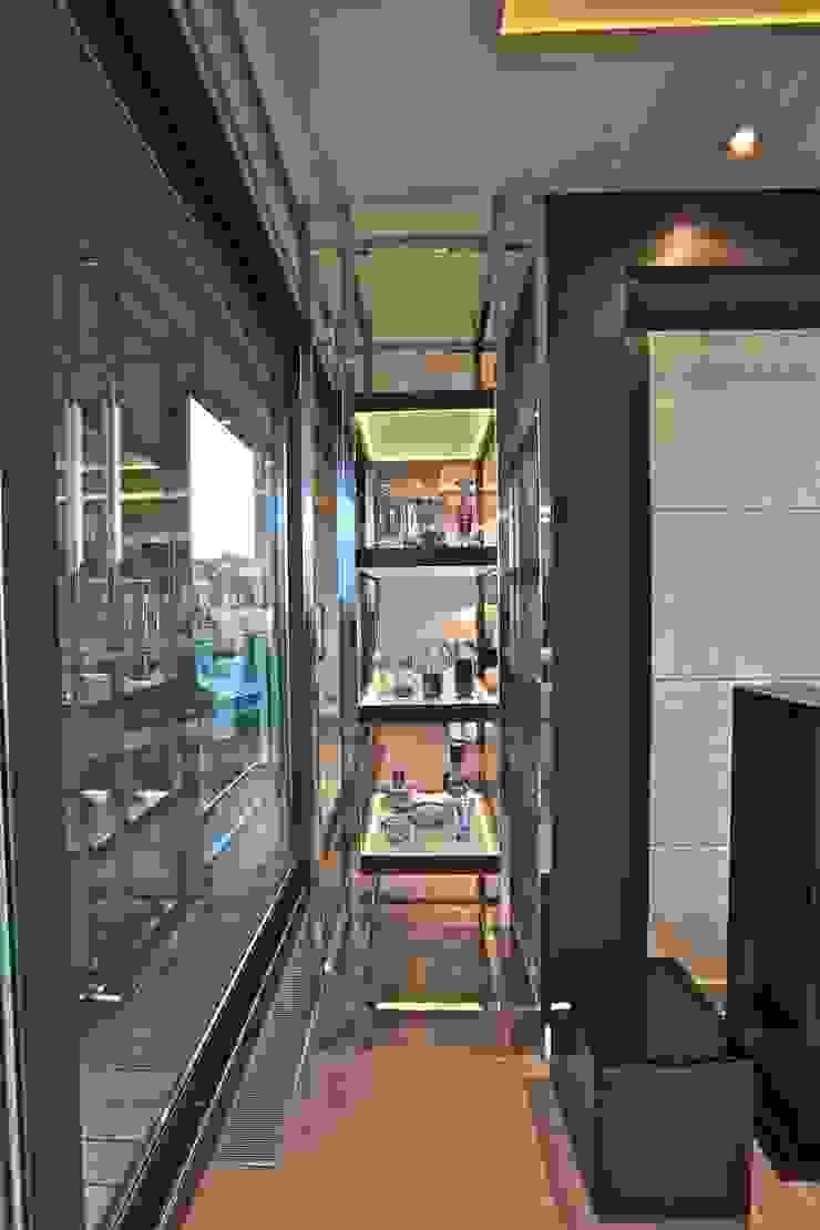 Kerim Çarmıklı İç Mimarlık – A.Y.G. ULUS SAVOY EVİ / A.Y.G. ULUS SAVOY HOUSE 2012: modern tarz , Modern