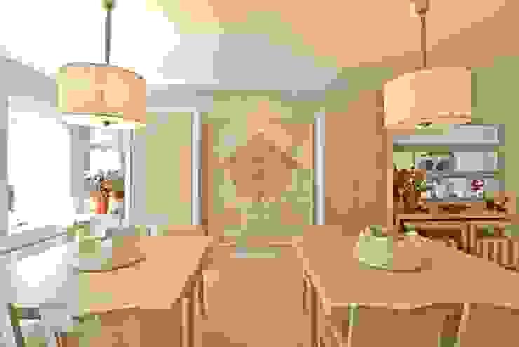 Kerim Çarmıklı İç Mimarlık Sala da pranzo moderna