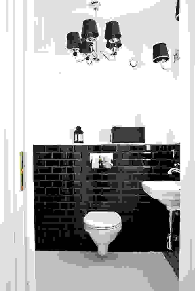 Dom jak z bajki. Klasyczna łazienka od Miśkiewicz Design Klasyczny
