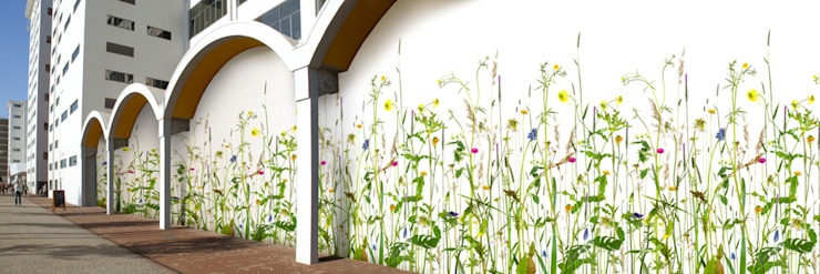 Muurbloem Design Studio_Collection Flowers + Leaves_MarginalPlants: modern  door Muurbloem Design Studio, Modern