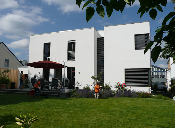 Casas minimalistas de waldorfplan architekten Minimalista