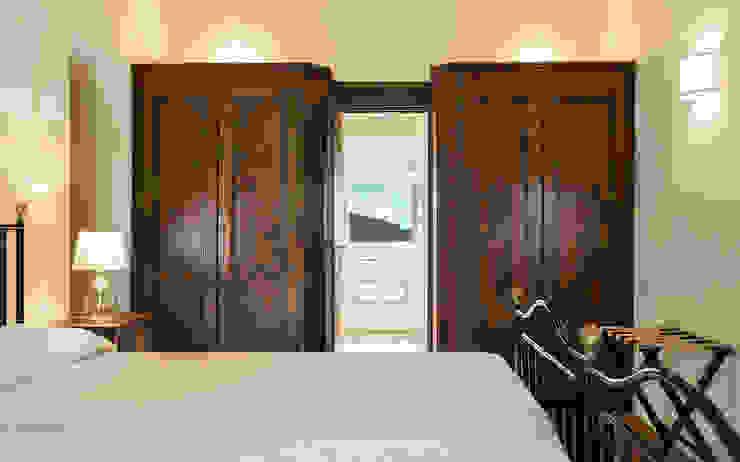 Rustic style bedroom by Arlene Gibbs Décor Rustic