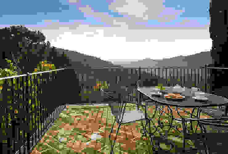 Gaiole in Chianti, Toscana Balcone, Veranda & Terrazza in stile rustico di Arlene Gibbs Décor Rustico