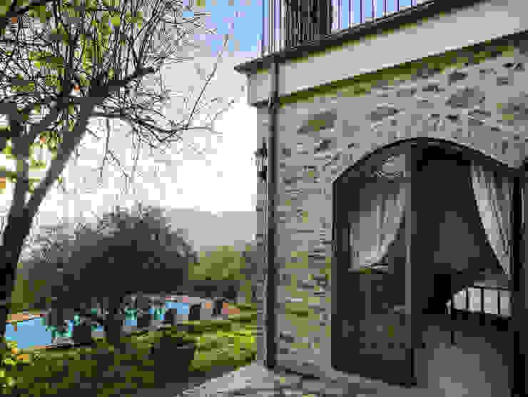 Gaiole in Chianti, Toscana Case in stile rustico di Arlene Gibbs Décor Rustico