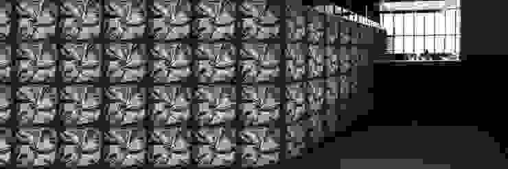 Muurbloem Design Studio_Collection Folds & Pleats_SatinTwist_BL: modern  door Muurbloem Design Studio, Modern