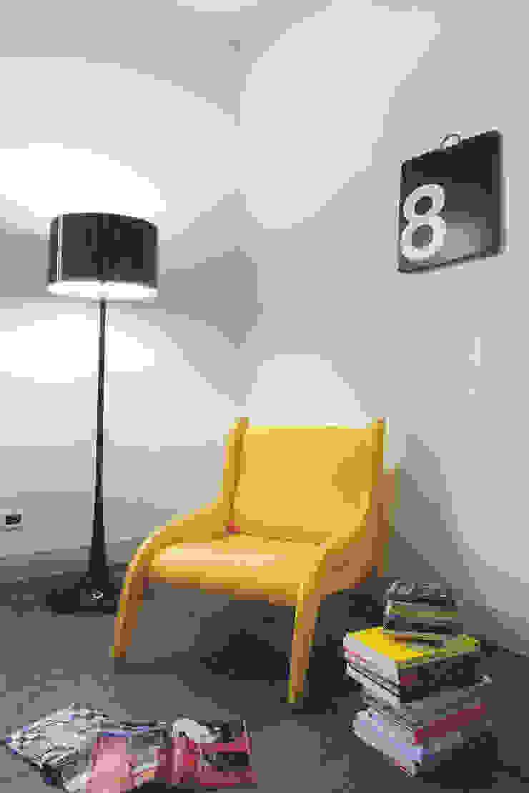 Moderne woonkamers van Calvi Brambilla Modern