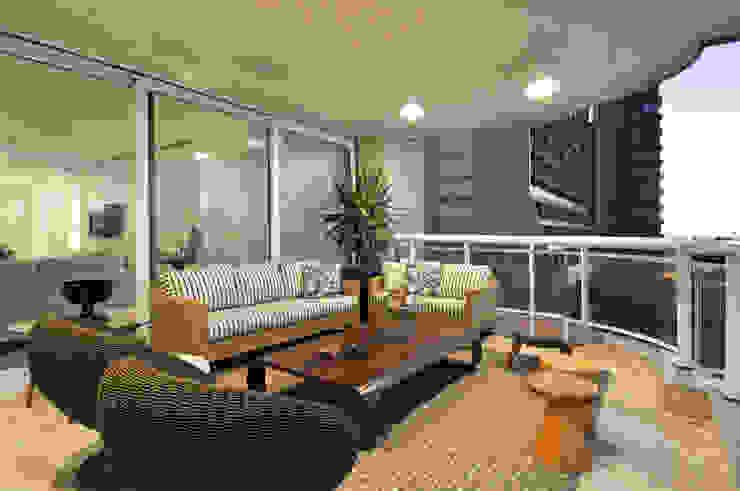 Apartamento 2020 Varandas, marquises e terraços modernos por Carlos Otávio Arquitetura e Interiores Moderno