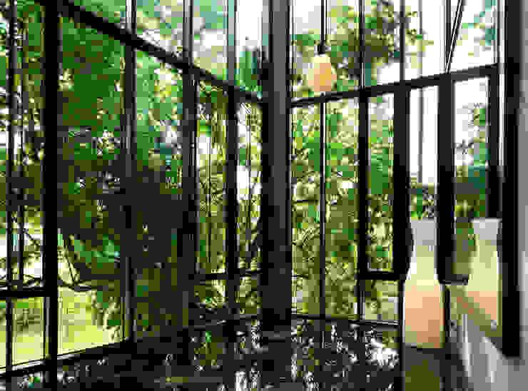 Suasana semula jadi Koridor & Tangga Tropis Oleh Elaine Wall Tropis