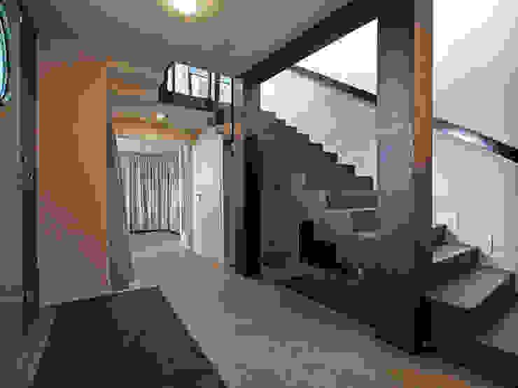 Ingresso, Corridoio & Scale in stile moderno di BuroBonus Moderno