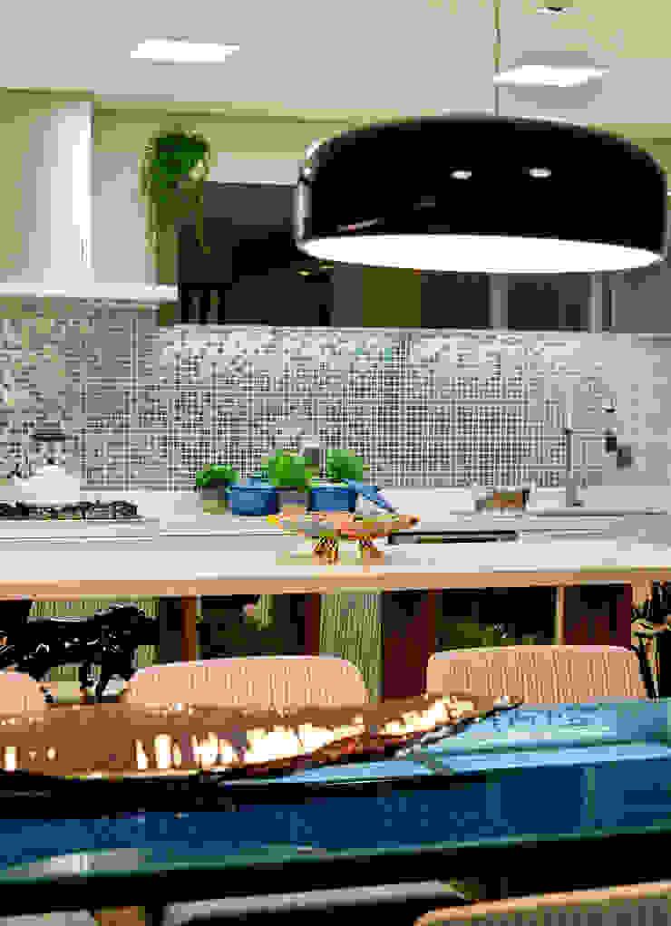 Descanso na cidade Cozinhas modernas por ArchDesign STUDIO Moderno