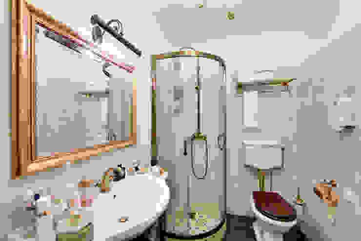 Очарование старой Москвы Ванная комната в рустикальном стиле от Порядок вещей - дизайн-бюро Рустикальный