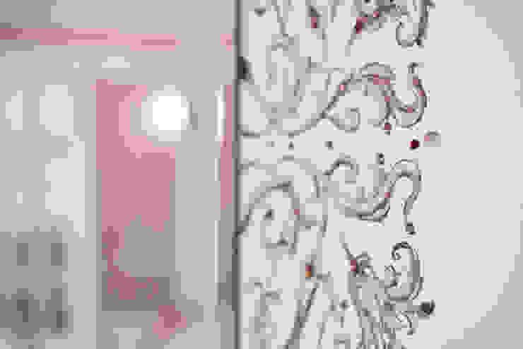 Очарование старой Москвы Гостиная в рустикальном стиле от Порядок вещей - дизайн-бюро Рустикальный