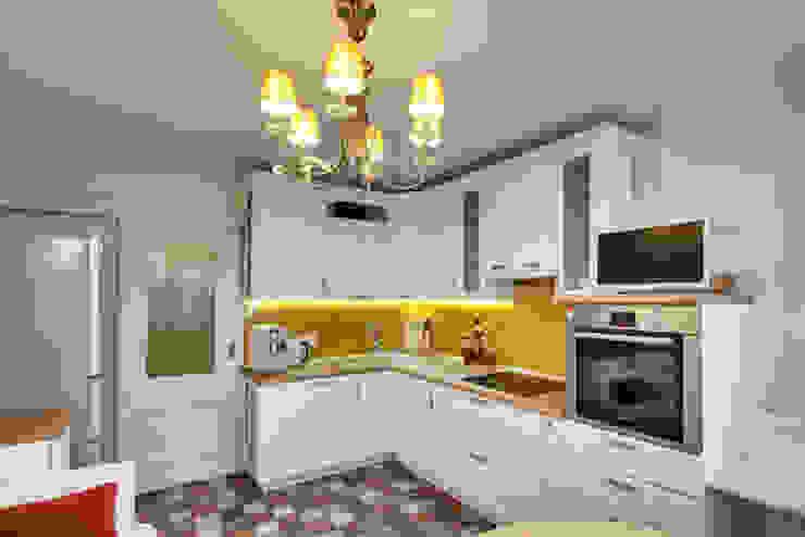Яркая история Порядок вещей - дизайн-бюро Кухни в эклектичном стиле