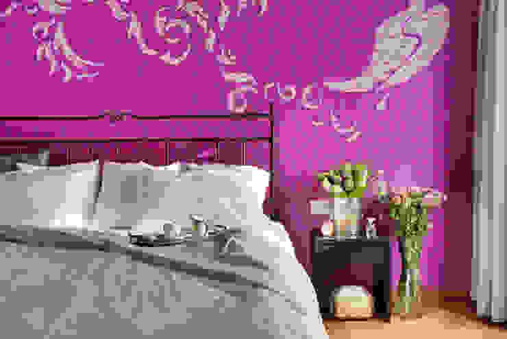 Яркая история Спальня в эклектичном стиле от Порядок вещей - дизайн-бюро Эклектичный