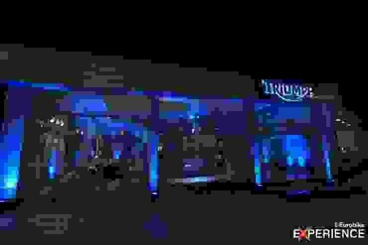 Triumph Eurobike – Ribeirão Preto Concessionárias modernas por RICARDOTRAMONTINA.ART Moderno