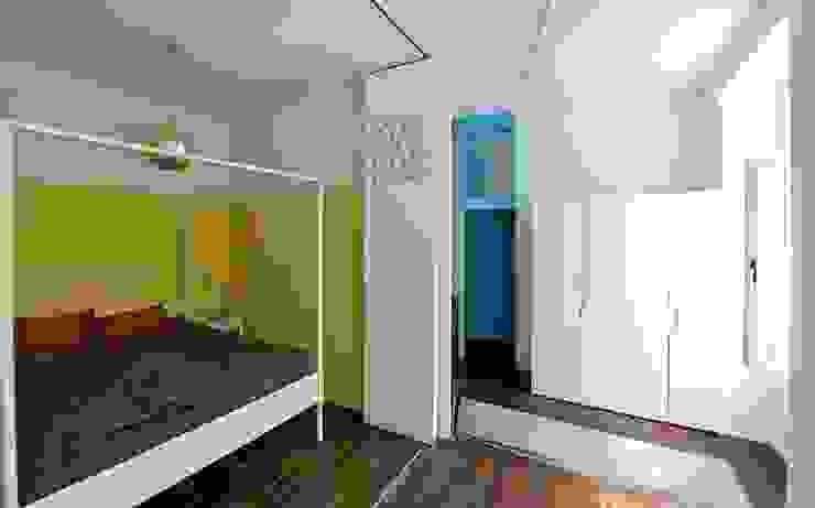 Salones de estilo ecléctico de 3rdskin architecture gmbh Ecléctico